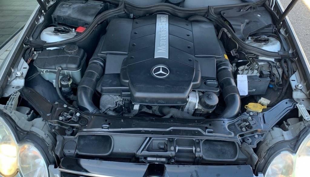Mercedes CLK (W209) 2002-2009 | Different Car Review